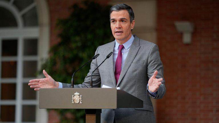 Prime Minister Pedro Sanchez announcing the pardons