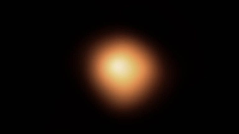"""Betelgeuse before it began to lose its brilliance during the """"Great Dimming"""" in 2019."""