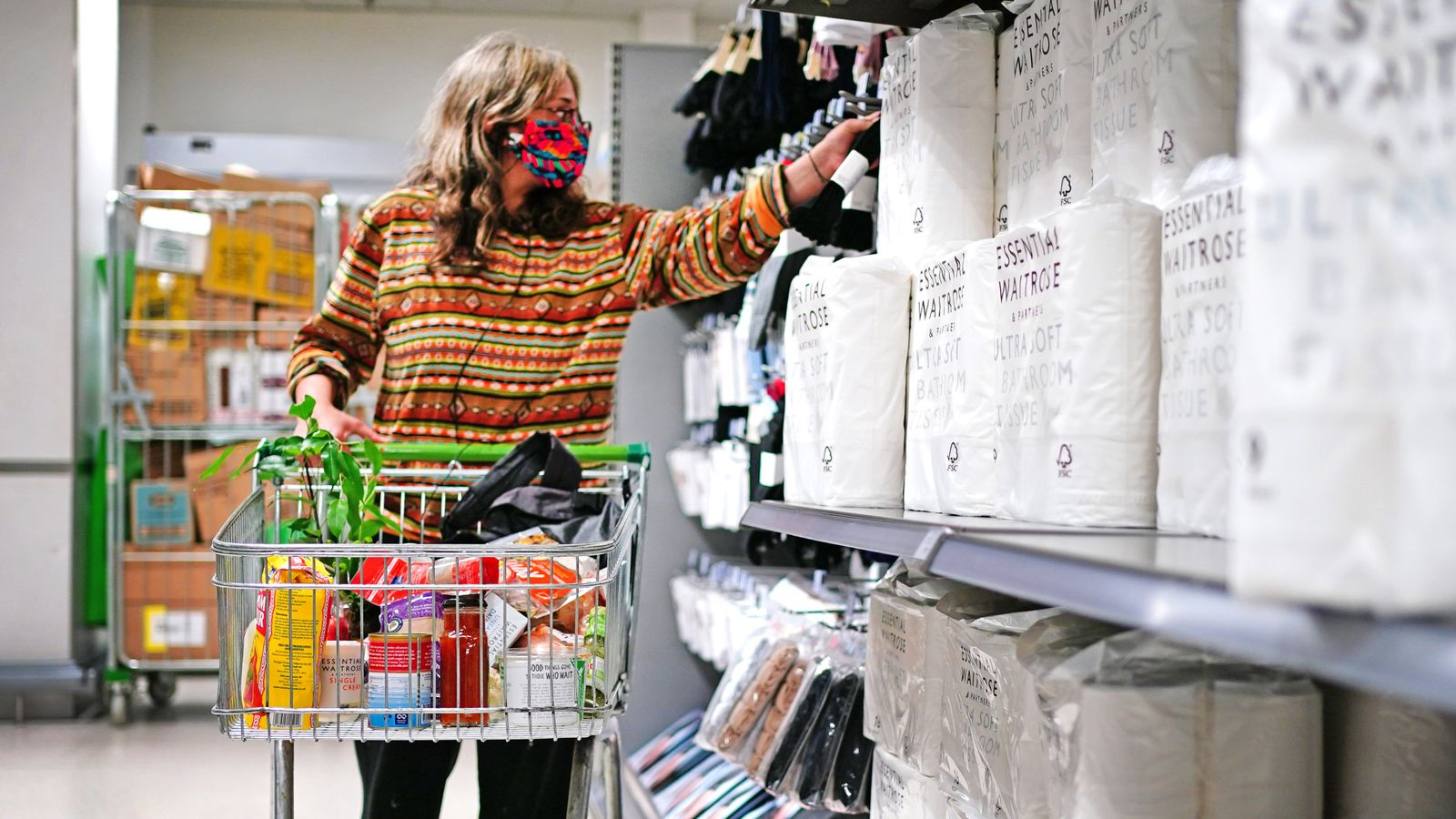COVID-19: Supermarkets will encourage customers to keep wearing masks but won't bar those who don't