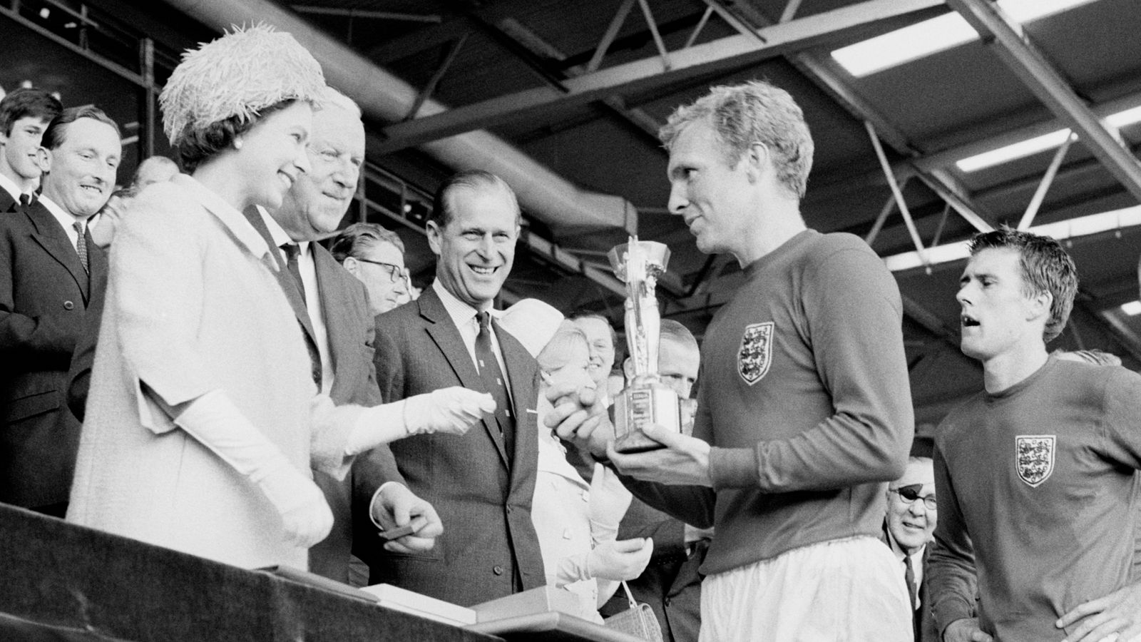 Euro 2020: Queen sends message to Southgate and England team before final – and recalls memories of 1966 World Cup win
