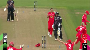 Lee's calamitous run out