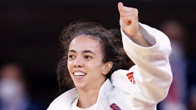 Tokyo 2020: Giles wins GB's first medal