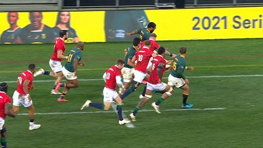 Le Roux sees try disallowed