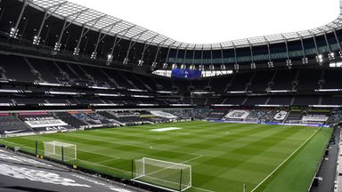 Spurs hold open training session