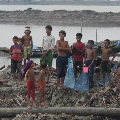 Rising sea levels threaten 'the hanging village' of Bangladesh