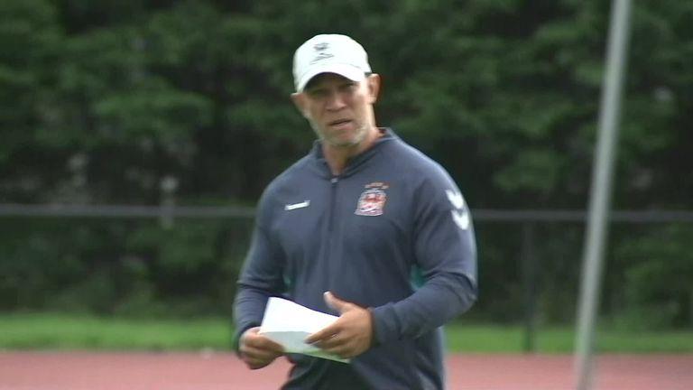El entrenador en jefe del Wigan, Adrian Lam, quien también es el entrenador asistente de Australia, espera que se pueda encontrar una solución después de las retiradas de su país y Nueva Zelanda.