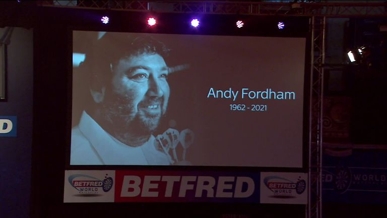 The Winter Gardens crowd and Wayne Mardle pay tribute to the legendary 2004 BDO world champion Andy Fordham