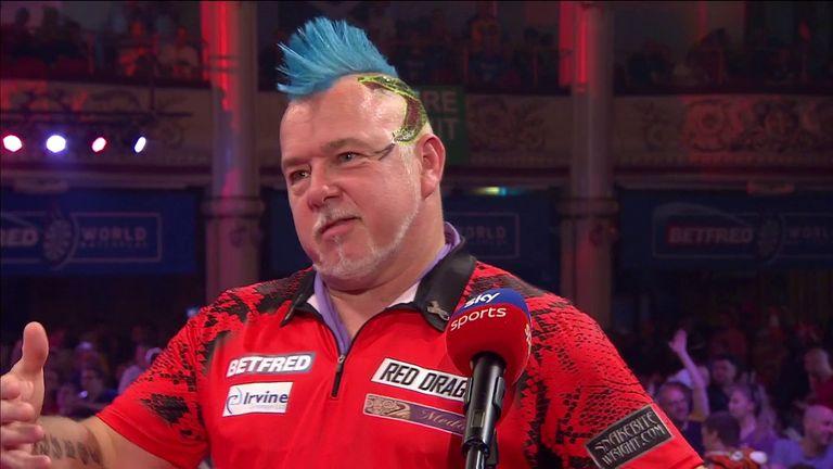 Peter Wright n'était toujours pas satisfait de son jeu même s'il a battu Michael Smith 16-7 pour atteindre les demi-finales du World Matchplay