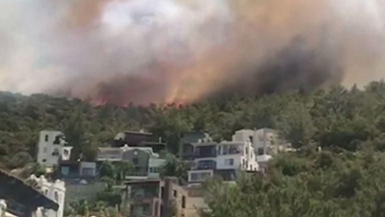 Another blaze sparks up in Turkey near a holiday resort