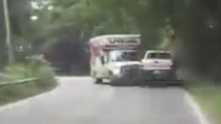 Drivers survive three car crash in Ohio