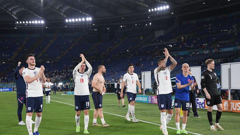 Soccer Football - Euro 2020 - Quarter Final - Ukraine v England - Stadio Olimpico, Rome, Italy - July 3, 2021 England's Declan Rice, Mason Mount and Kyle Walker celebrate after the match Pool via REUTERS/Alberto Lingria