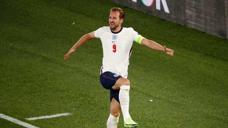 Kane celebrates his second goal as England take 3-0 lead