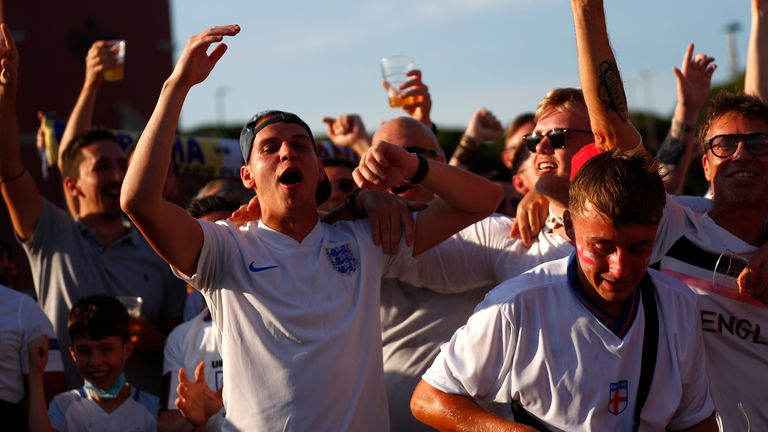 Fans gather in Rome ahead of Ukraine v England