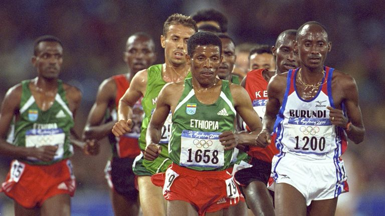 Haile Gebrselassie competing in the 10,000 metres at the Sydney Olympics in 2000