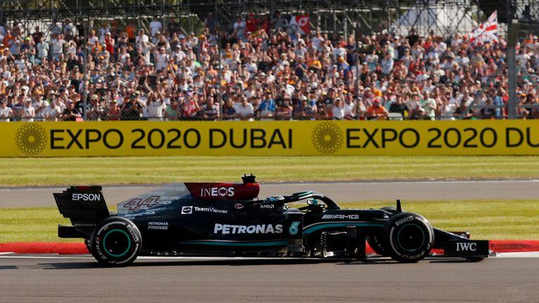 British Grand Prix Formula One F1 - British Grand Prix - Silverstone Circuit, Silverstone, Britain - July 18, 2021 Mercedes' Lewis Hamilton during the race REUTERS/Andrew Couldridge