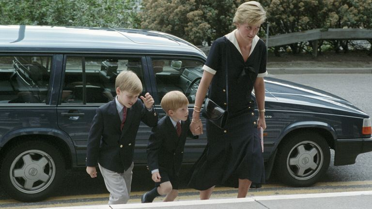 The Princess of Wales, accompanied by Prince William and Prince Harry, arrives at the Queen's Medical Centre to visit Prince Charles. Sep 1990