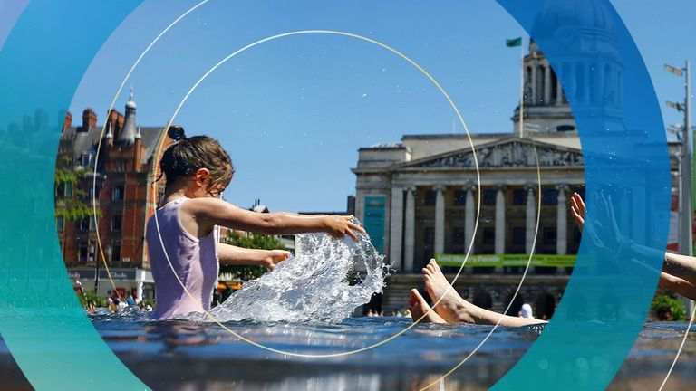 Tatiana and Anneke Toth aged four, play in a fountain in Nottingham, Britain June 30, 2015. Britain's Meteorological Office has warned of the possibility of heatwave conditions, with temperatures reaching their highest of the year on Tuesday and Wednesday. REUTERS/Darren Staples