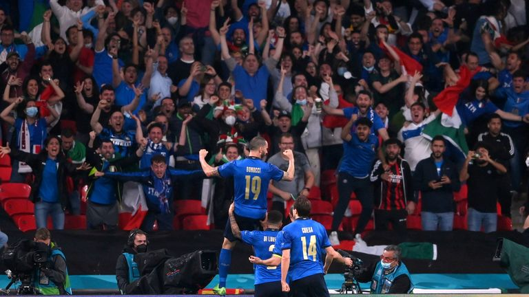 Soccer Football - Euro 2020 - Final - Italy v England - Wembley Stadium, London, Britain - July 11, 2021 Italy's Leonardo Bonucci celebrates scoring their first goal with teammates Pool via REUTERS/Laurence Griffiths