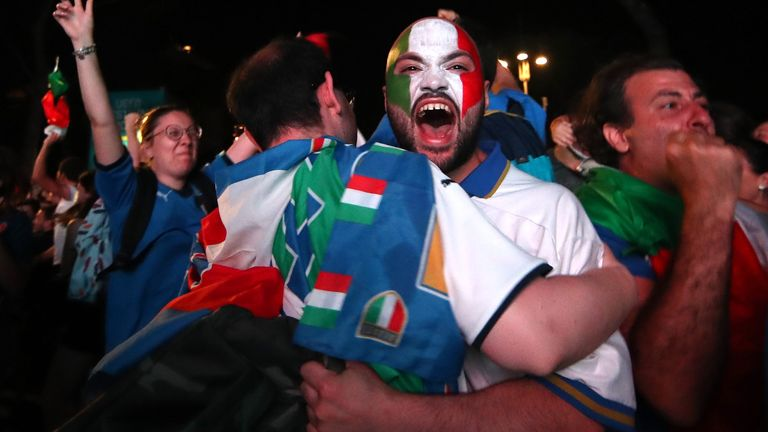 Soccer Football - Euro 2020 - Final - Fans gather for Italy v England - Rome, Italy - July 11, 2021 Italy fans celebrate after winning the Euro 2020 REUTERS/Yara Nardi