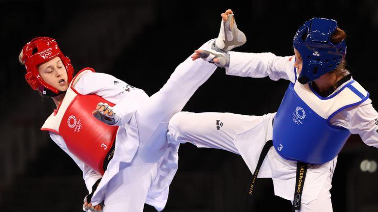 Lauren Williams, left, in action against Matea Jelic of Croatia in the final