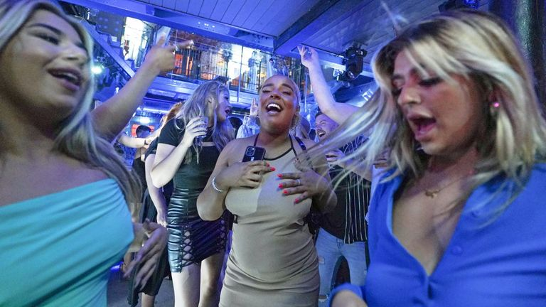 Clubbers are back in Bar Fibre in Leeds as England's COVID restrictions end