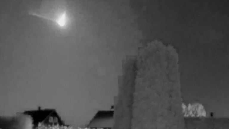 A strong flash of light from a large meteorite was seen over parts of southern Norway on Saturday night.