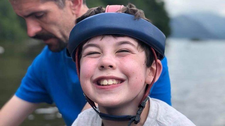 Oliver Voysey, 13.