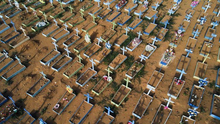 The Parque Taruma cemetery in Manaus