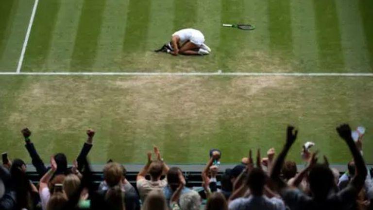 Emma Raducanu celebrates after defeating Sorana Cirstea
