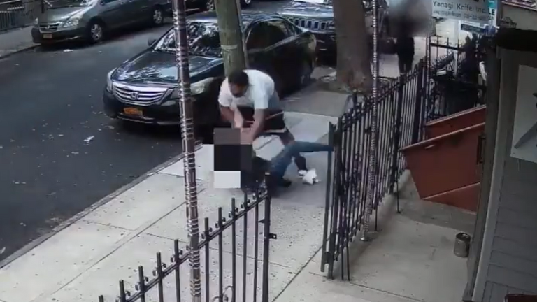 Police have requested the public's help in New York after a man attempted to rob someone in Brooklyn, before being forced to flee.