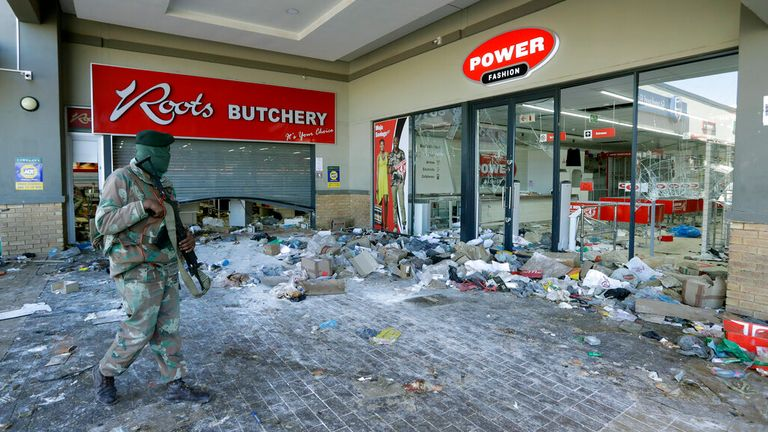 10 people have died during a mass looting in South Africa