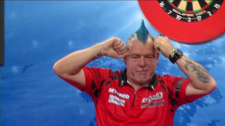 Peter Wright bat confortablement Michael Smith pour atteindre les demi-finales du World Matchplay