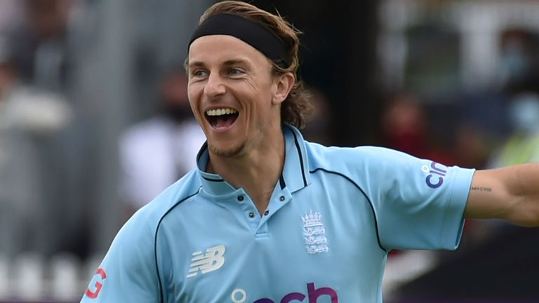 Watch Sri Lanka's innings from the third ODI in Bristol as Tom Curran's 4-35 helped England skittle the tourists for 166