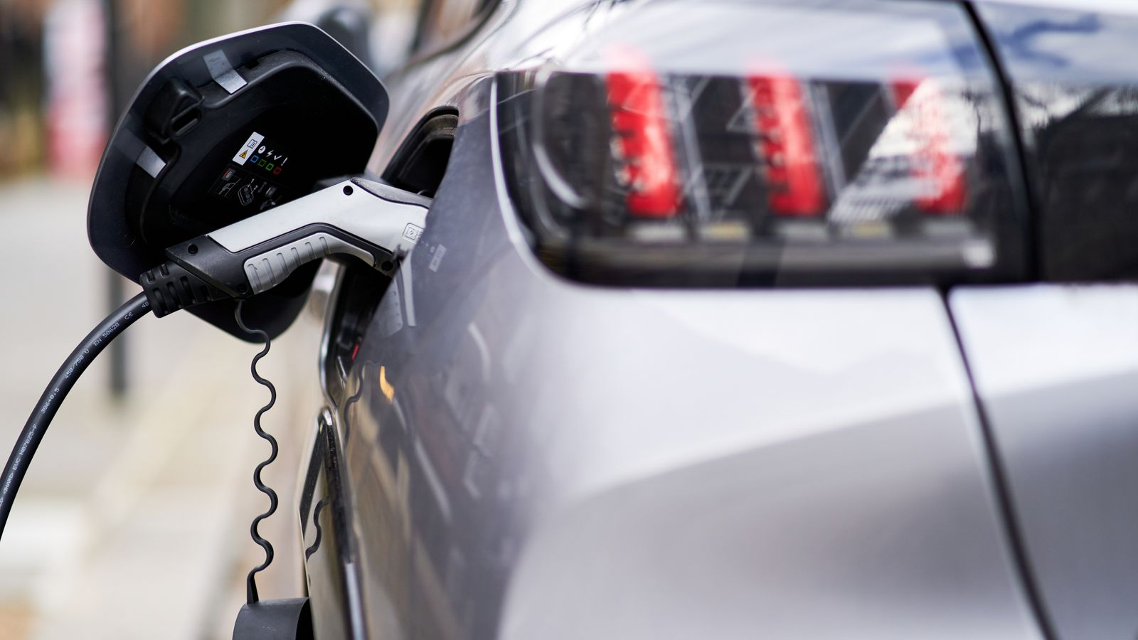 Net zero strategy: Government plans will 'support up to 440,000 jobs', minister says – as plans to end sale of new petrol and diesel cars revealed