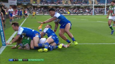 Warrington score controversial try