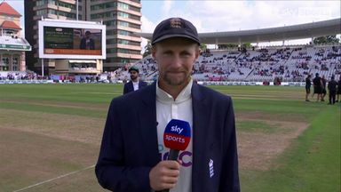 England win toss and choose to bat