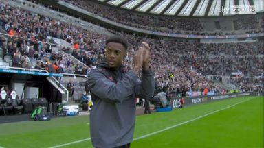 Willock unveiled to Newcastle fans