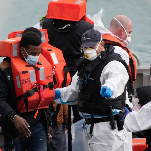 Migrant crisis: More than 800 people intercepted crossing English Channel in new daily record