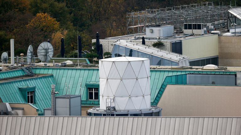 """A white covered structure is pictured on the roof of the British embassy in Berlin, November 5, 2013. Documents leaked by former U.S. National Security Agency contractor Edward Snowden show that Britain's surveillance agency is operating a network of """"electronic spy posts"""" from within a stone's throw of the Bundestag and German chancellor's office, the Independent reported. NSA documents, in conjunction with aerial photographs and information about past spying activities in Germany, suggest that Britain is operating its own covert listening station close to the German parliament, and Chancellor Angela Merkel's offices in the Chancellery, using hi-tech equipment housed on the embassy roof, the British newspaper reported.    REUTERS/Fabrizio Bensch (GERMANY - Tags: POLITICS)"""