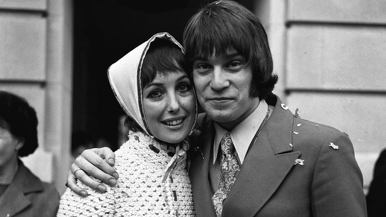 PA NEWS PHOTO 10/10/69  ACTRESS UNA STUBBS (30) WITH HER BRIDEGROOM NICKY HENSON (24) AFTER THEIR MARRIAGE AT WANDSWORTH TOWN, LONDON