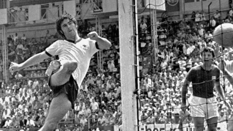 FILE - In this June 14, 1970 file photo Germany's Gerd Mueller scores the decisive third goal for Germany during the World Cup quarterfinal soccer match between Germany and England in Leon, Mexico. Bayern Munich and former West Germany forward Gerd Müller has died at age 75. Mueller joined the Bavarian club in 1964 and won four league titles and four German Cup titles. Mueller helped West Germany win the European Championship in 1972, then the World Cup two years later.(AP Photo, File)