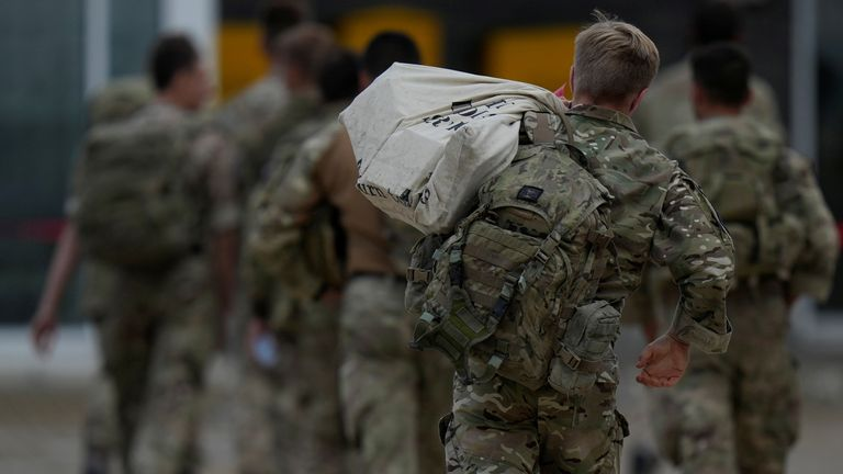 Soldiers arrive home