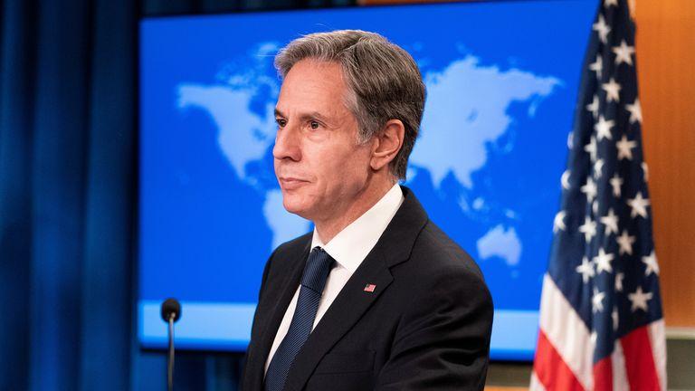 Il Segretario di Stato americano, Anthony Blinken, lo guarda durante un briefing sull'Afghanistan, al Dipartimento di Stato, a Washington, DC, USA, 25 agosto 2021. Alex Brandon/Paul via Reuters