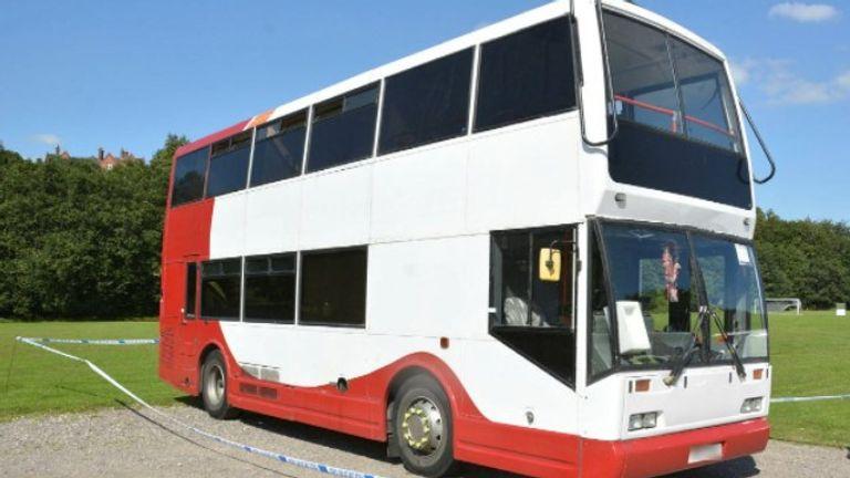 Le bus désaffecté pourrait fournir à la police des informations vitales sur la mort de Mme Anderson