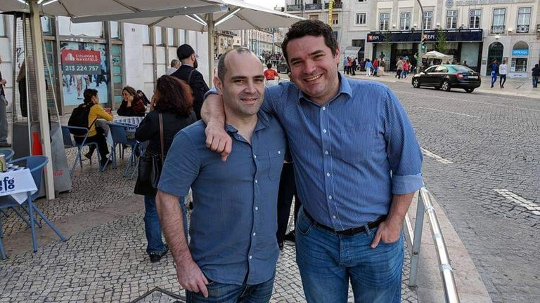 Francis Goncalves (r) with his brother Shaul