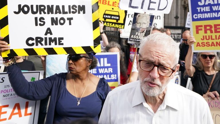 Jeremy Corbyn joined Julian Assange's supporters outside the High Court