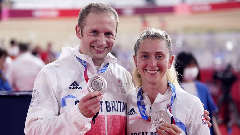Laura Kenny and Jason Kenny with their silver medals