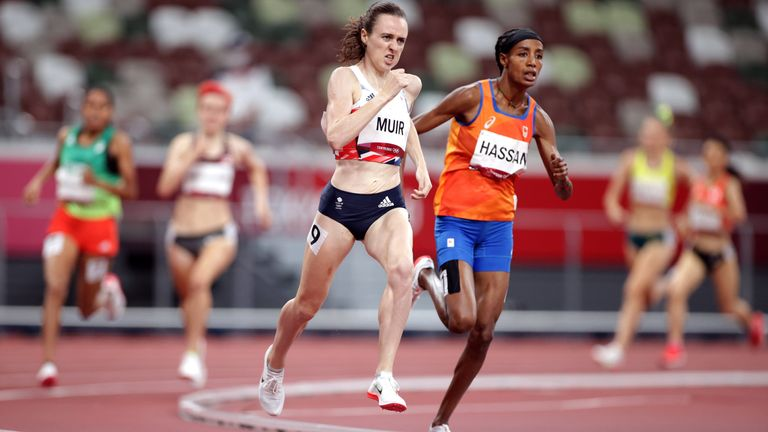 Tokyo 2020 Olympics - Athletics - Women's 1500m - Final - Olympic Stadium, Tokyo, Japan - August 6, 2021. Laura Muir of Britain and Sifan Hassan of the Netherlands. REUTERS/Hannah Mckay