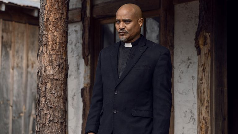 Seth Gilliam comme Père Gabriel Stokes - The Walking Dead _ Saison 11 - Crédit photo : Josh Stringer/AMC