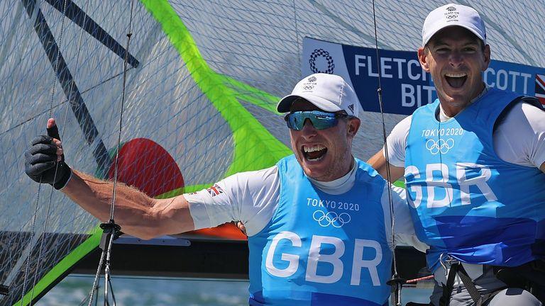 Fletcher and Bithell celebrate winning gold